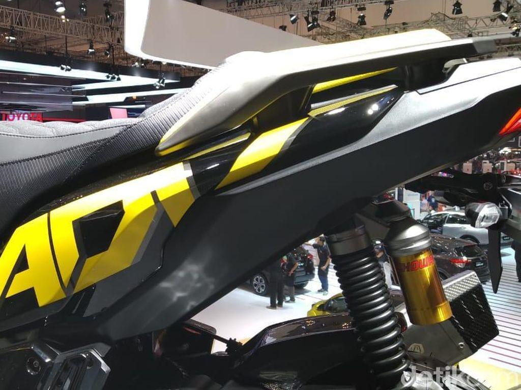 Bodinya dipoles dengan airbrush oleh R-Autoworks. Foto: PT Astra Honda Motor