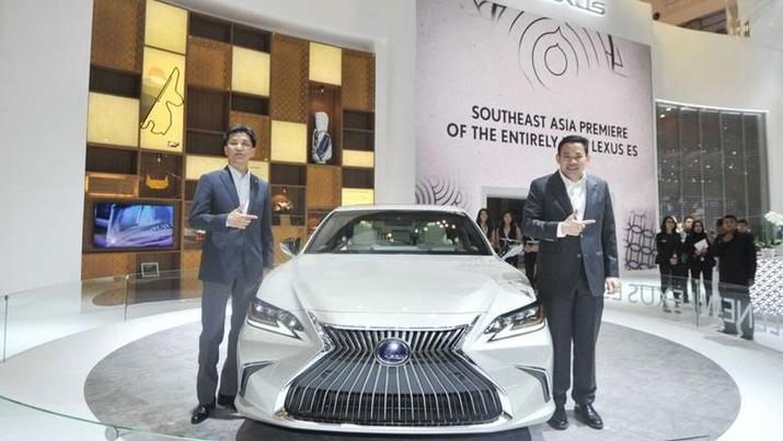 Sejak masuk ke Indonesia 12 tahun lalu, Lexus, merek mobil mewah milik Toyota, terus menancapkan taringnya.