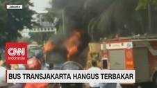VIDEO: Bus Transjakarta Hangus Terbakar di Jakarta Timur