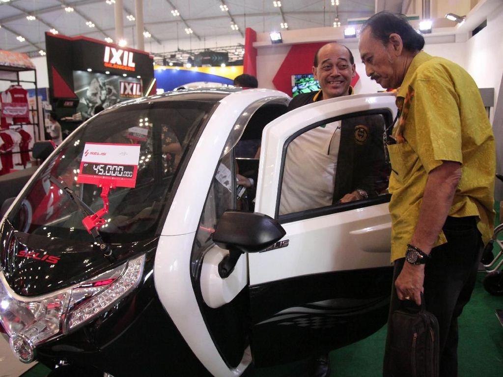 Ia memberikan dukungan untuk pengembangan kendaraan listrik.