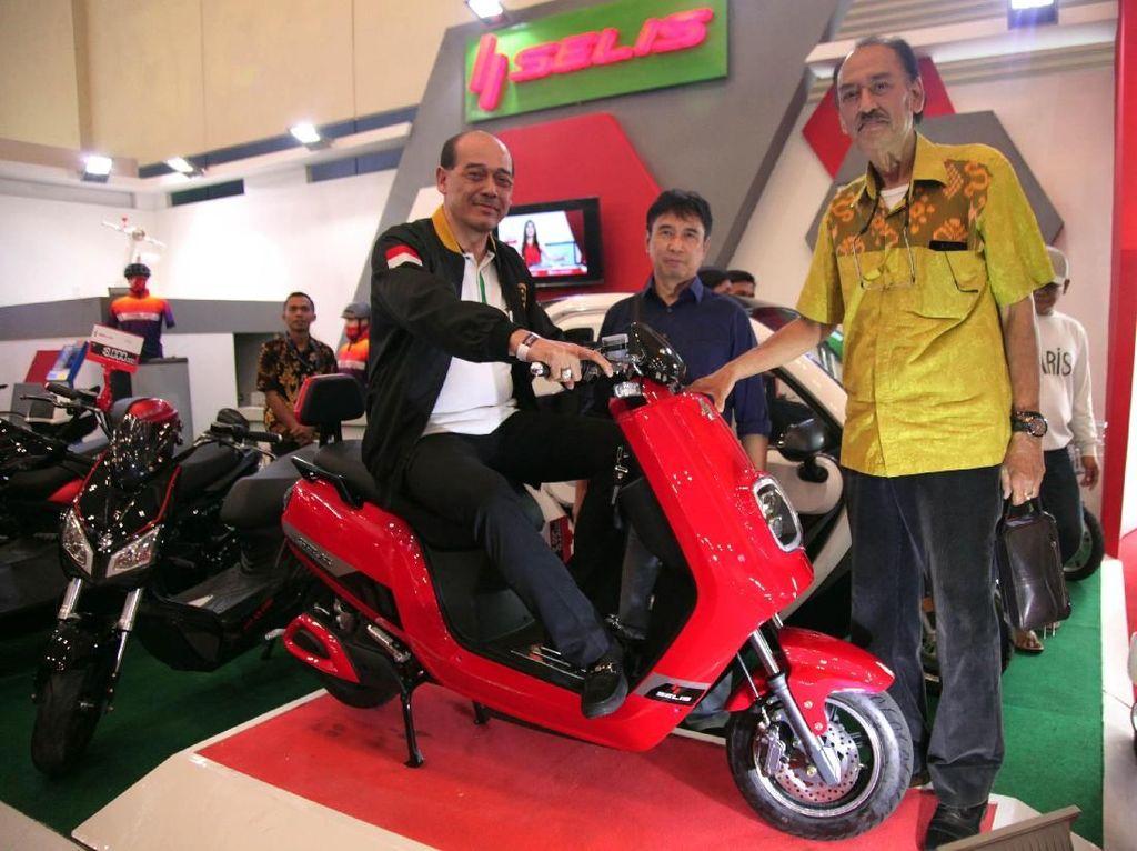 Suryo Atmanto mengatakan bahwa kendaraan listrik sangat ramah lingkungan.