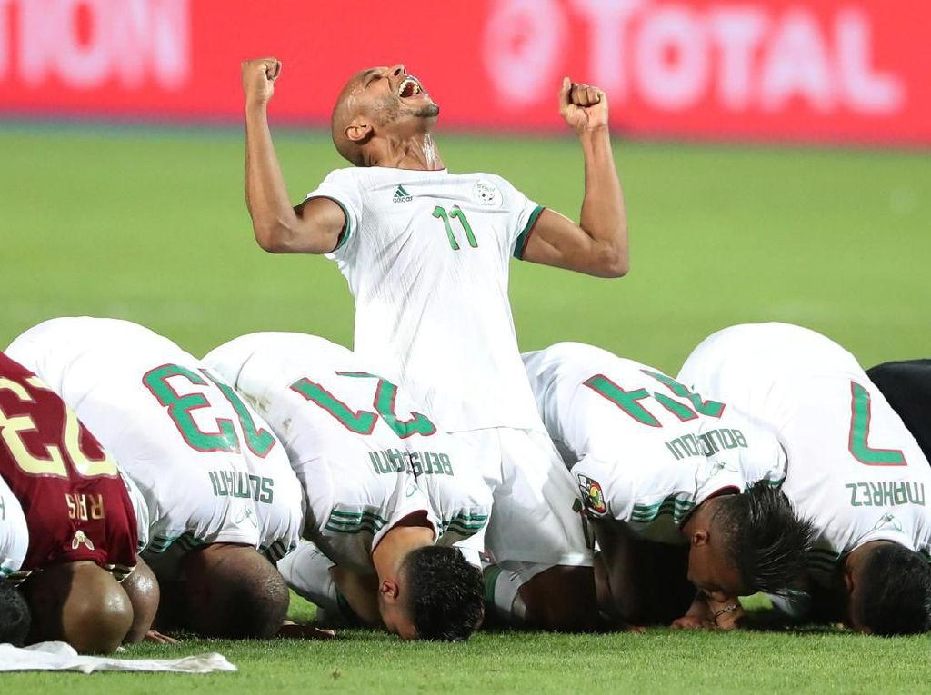 Aljazair menggagalkan Senegal meraih gelar juara Piala Afrika untuk pertama kali. Foto: Suhaib Salem/Reuters