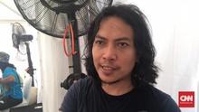 Vokalis Navicula Bedah Kotoran Sendiri untuk Teliti Plastik