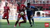 Persija Jakarta tampil dominan di sepanjang pertandingan leg pertama final, namun sempat kesulitan mencetak gol.(CNN Indonesia/Andry Novelino)