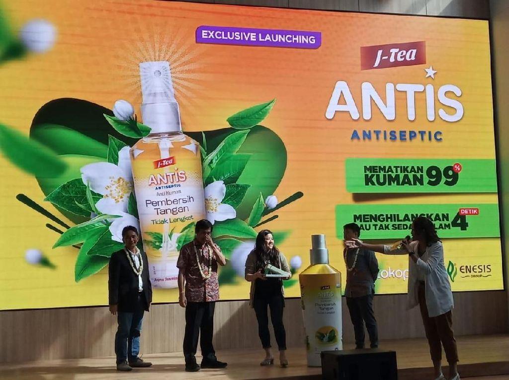 Perusahaan fast moving consumer good ini meluncurkan Antis hand sanitizer spray beraroma Jasmine Tea.