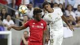 Real Madrid menurunkan skuat terbaiknya di babak pertama termasuk Raphael Varane namun harus mengakui keunggulan Bayern Munchen diNRG Stadium. (Kevin Jairaj/USA TODAY Sports)