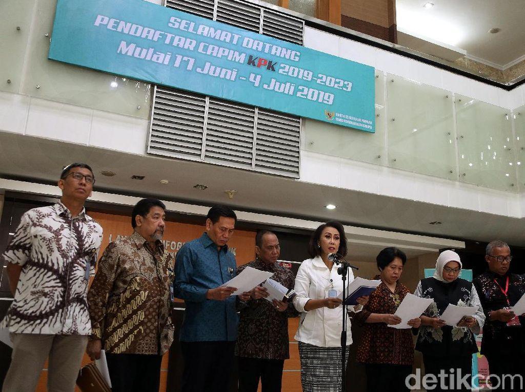 Panitia seleksi calon pimpinan mengumumkan hasil uji kompetensi capim KPK di gedung Kementerian Sekretariat Negara (Setneg), Kompleks Istana, Jakarta Pusat, Senin (22/7/2019).