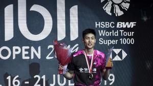 Juara Indonesia Open 2019, Tien Chen Kehabisan Baju