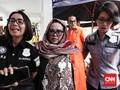 Jalani Rehabilitasi, Nunung dan Suami Dibawa ke RSKO