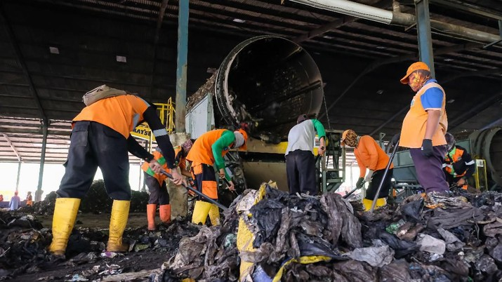 SBI Manfaatkan Sampah Bantargebang Jadi Bahan Bakar