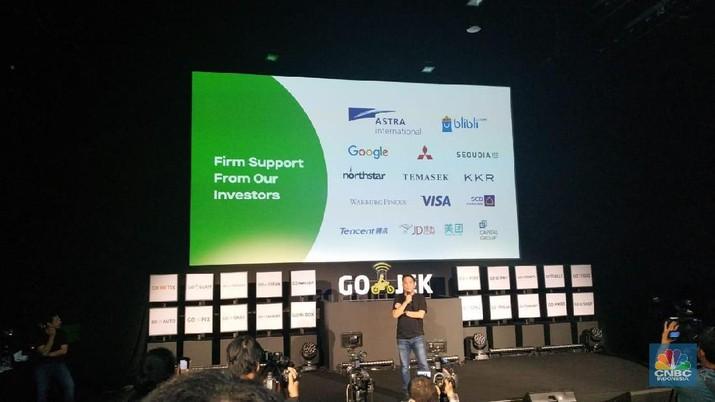 Gojek yang menaungi tiga aplikasi super (Super App) mulai meraup untung.