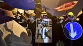 Aksi unjuk rasa kemarin kembali berakhir bentrok antara massa demonstran dan polisi antihuru-hara. (Anthony WALLACE / AFP)