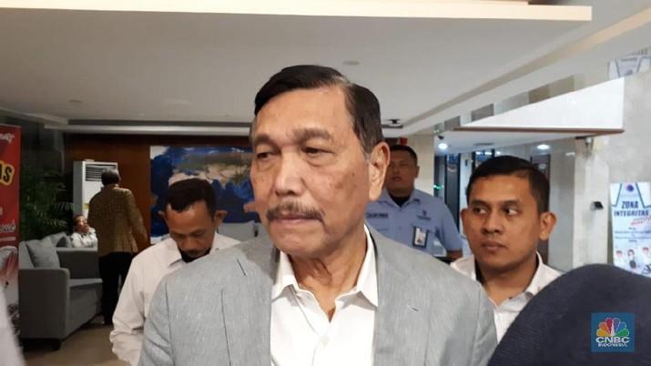 Menteri Luhut Pandjaitan mengatakan SoftBank akan menyuntik startup kelautan dan perikanan Aruna.