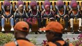 Pasukan Oranye diajak berwisata ke Dufansebagai bentuk penghargaan kepada mereka. (Antara Foto/ Wahyu Putro A)