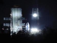 Sempat Batal, India Luncurkan Pesawat Nirawak ke Bulan