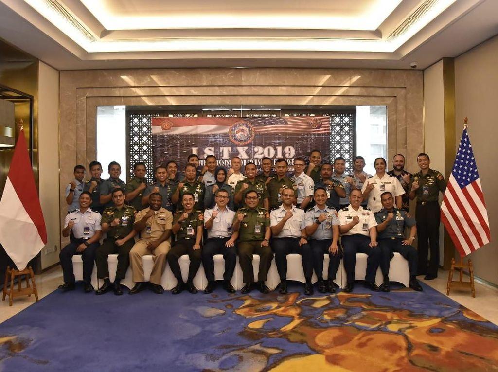 Latihan ini diikuti 34 peserta yang terdiri dari 19 personel TNI dan 15 personel HING. Istimewa/Puspen TNI.