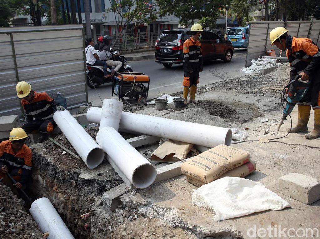 Total trotoar yang akan direvitalisasi sepanjang 10 kilometer dari Cikini hingga Kramat.