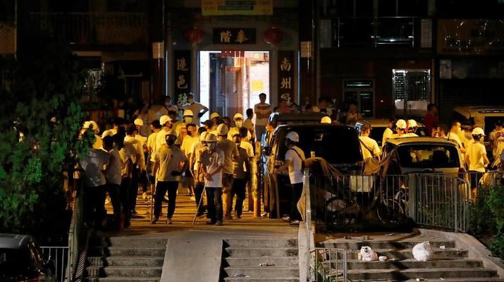 Kelompok Baju Putih, Serang Demonstran Hong Kong