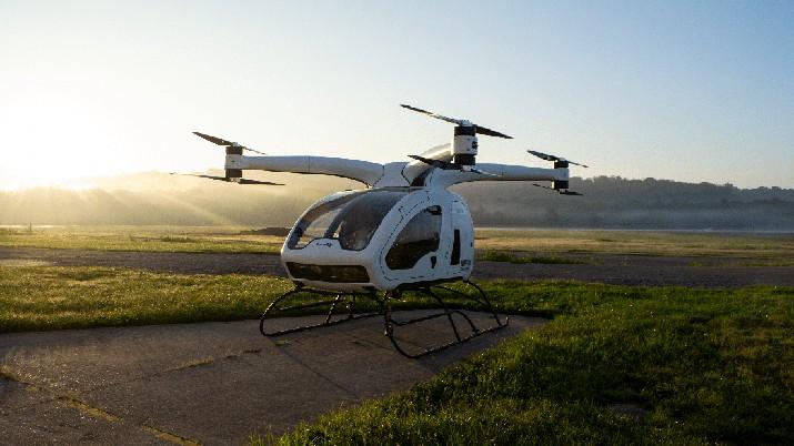 Helikopter ini dikabarkan bisa dengan mudah dikendalikan hanya dengan menggunakan joystick, layaknya sebuah pesawat tanpa awak atau drone.