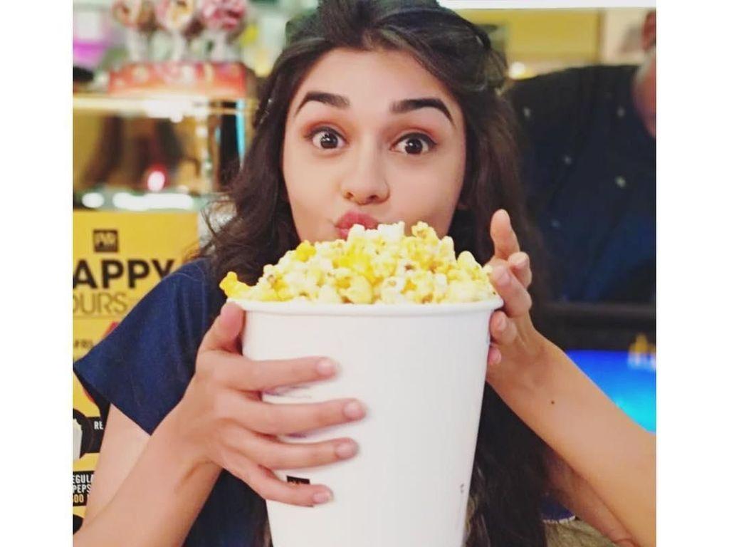 Ini Eisha Singh Bintang 'Ishq Subhan Allah' yang Hobi Makan Popcorn