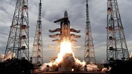 FOTO: India Luncurkan Roket Chandrayaan-2 ke Bulan