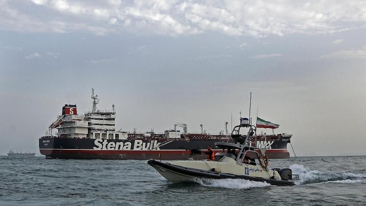 Pasukan keamanan Iran menyita kapal tanker milik Inggris karena dianggap melanggar aturan kemaritiman internasional.