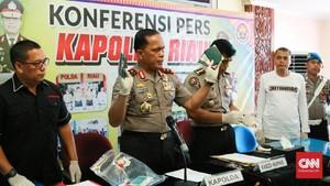 Pecatan Polisi Diduga Terlibat Jaringan Narkoba Internasional