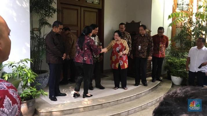 Ketua Umum Gerindra Prabowo Subianto bertemu dengan Ketua Umum Partai Demokrasi Indonesia Perjuangan Megawati Soekarnoputri