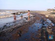 Hitam & Becek, Kondisi Desa Terkena Tumpahan Minyak Pertamina