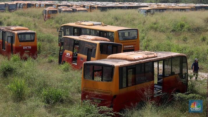 Kuburan bus TransJakarta menyisakan banyak cerita, salah satunya soal persekongkolan tender.