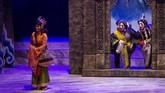 Teater Koma kembali mengangkat kisah kehidupan para dewa dan wayang sebagai kelanjutan dari semesta Mahabarata yang telah dimulai pada November 2018. (dok: ANTARA FOTO/ Dhemas Reviyanto)