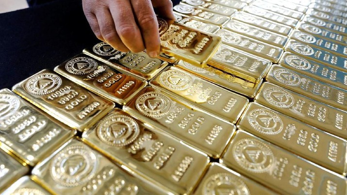 Harga emas investasi ritel kepingan acuan yang diproduksi PT Aneka Tambang Tbk (ANTM/Antam) tak bergerak.