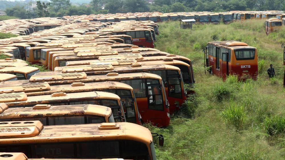 Bus Transjakarta tersebut merupakan Bus Kota Terintegrasi Busway (BKTB) yang sudah tak beroperasi.
