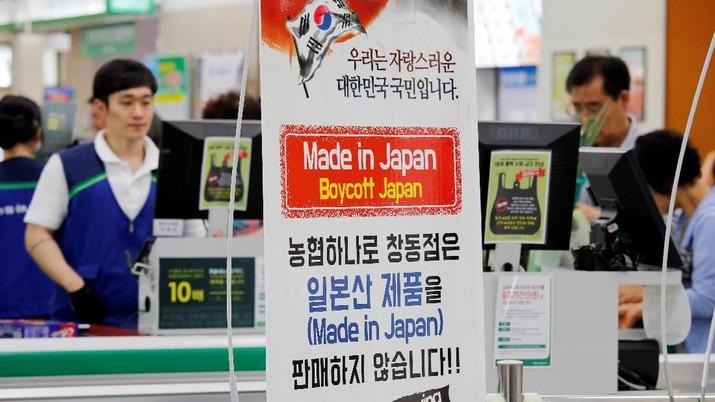 Warga Korsel Kalap, Boikot Segala Barang Berbau Jepang