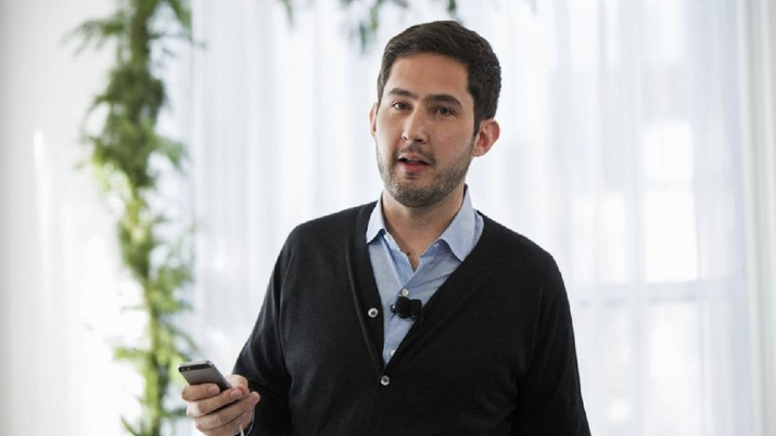 FILE PHOTO: Instagram Chief Executive Officer and co-founder Kevin Systrom announces the launch of a new service named Instagram Direct in New York December 12, 2013. REUTERS/Lucas Jackson