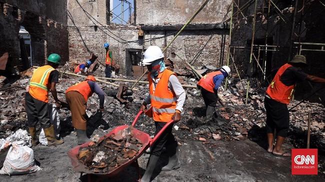 Kebakaran menghanguskan sebagian bangunan Museum Bahari yang terjadi pada 16 Januari 2018 silam. (CNN Indonesia/Hesti Rika)
