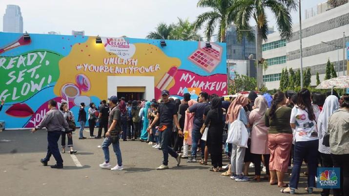 Hari Pertama, Pengunjung Serbu & Padati Jakarta X Beauty 2019
