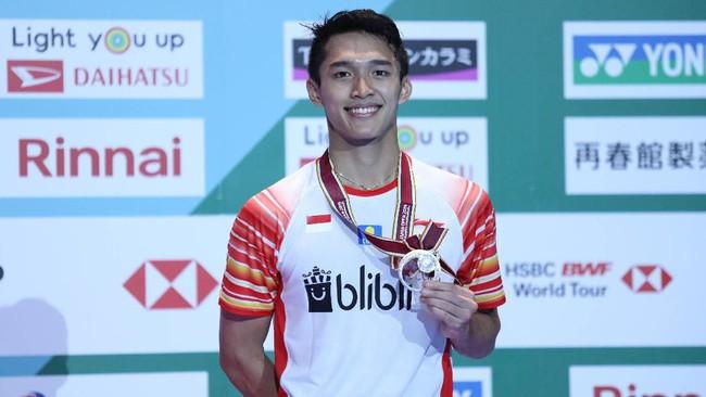 Jojo harus puas dengan hasil runner up setelah kalah 16-21 dan 13-21 dari Momota yang merupakan pebulutangkis tunggal putra nomor satu dunia saat ini.