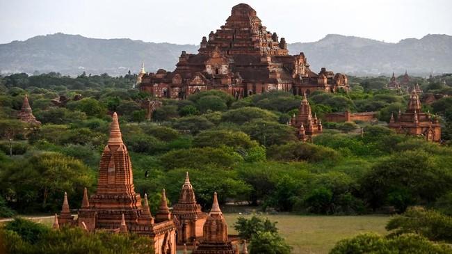 Pagoda Dhammayangyi di komplek kuno Bagan, Mandalay, Myanmar. (AFP Photo/Ye Aung Thu)