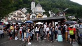 Hallstat merupakan salah satu kawasan penghasil garam di Eropa. Kawasan ini masuk dalam daftar Situs Warisan Dunia UNESCO pada 1997. (REUTERS/Lisi Niesner)