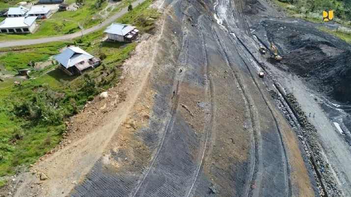 Rasio Elektrifikasi di Papua  mencapai 95,75%, masih ada seribu desa lebih belum terlistriki. Ini strategi PLN dan ESDM untuk menerangi total bumi cendrawasih