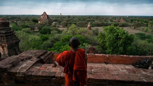 Berada di sisi Sungai Ayeyarwady yang masuk dalam kawasan Mandalay, Bagan merupakan komplek kota kuno di Myanmar. (AFP Photo/Ye Aung Thu)