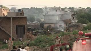VIDEO: Pesawat Militer Jatuh di Pakistan, 17 Orang Tewas