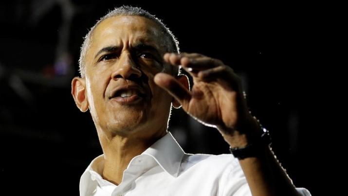 Mantan Presiden AS kampanye Barack Obama untuk Demokrat, Senator AS Bill Nelson dan dan kandidat gubernur Andrew Gillum di Miami, Florida, AS 2 November 2018. REUTERS / Joe Skipper