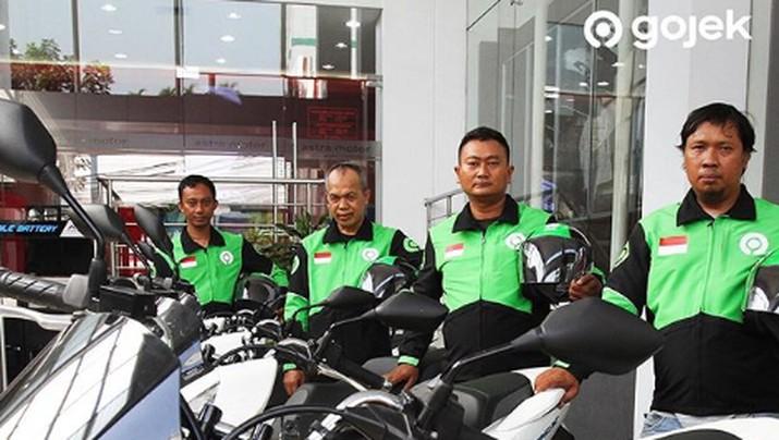 Gojek dianggap bisa membuka lapangan kerja bagi angkatan muda di Malaysia tetapi ditentang karena ojek online buka transportasi publik.