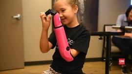 VIDEO: Anak Usia 8 Tahun, Pemilik Lengan Bionik Termuda di AS