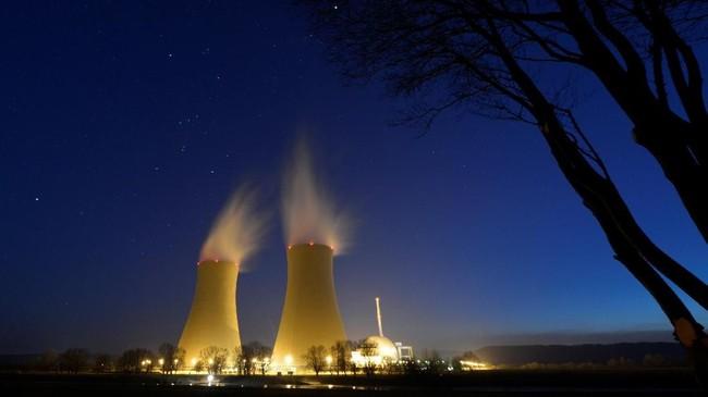 Sebuah foto lama yang memperlihatkan satu PLTN di Grohnde, Jerman pada Maret 2013 lalu. (Reuters/Fabian Bimmer)