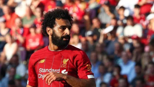 Mohamed Salah yang baru kembali dari masa istirahat usai membela Mesir di Piala Afrika dipercaya tampil selama 45 menit. (REUTERS/Denis Balibouse)