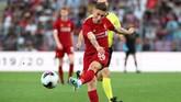Pemain baru Harry Wilson membawa Liverpool unggul 3-1 atas Lyon melalui gol pada menit ke-53. (REUTERS/Denis Balibouse)