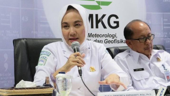 Badan Meteorologi, Klimatologi, dan Geofisika (BMKG) memutakhirkan data kekuatan gempa bumi Banten dari sebelumnya berkekuatan magnitudo (M) 7,4 jadi M 6,9.